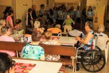 Festival da comunidade encanta moradores do Asylo de Mendigos
