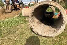 Sanep realiza obra de drenagem em via do Vasco Pires