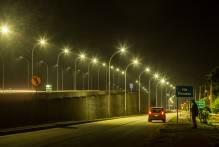 Começa a instalação de iluminação nos viadutos de Pelotas