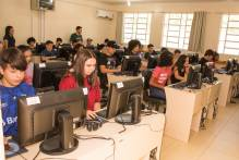 Khan Academy ressignifica a Matemática para os alunos do Município