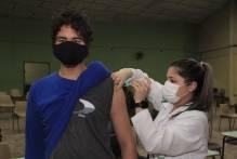Final de semana que antecede feriado é de vacinação em Pelotas