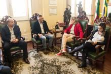 Prefeita discute possíveis destinos de emendas do deputado Luiz Henrique Viana