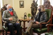 Paula conversa com vereador sobre projeto de lei voltado a crianças e adolescentes