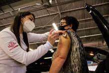 Pelotas finaliza o domingo com mais de 1,9 mil imunizados