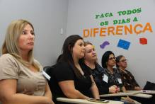 25 educadores participam de curso sobre círculos de paz
