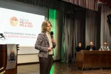 Prefeita defende a ressocialização de apenados durante fórum da UCPel