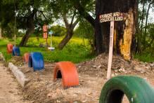 Moradores do Navegantes II criam jardins para combater despejo de lixo