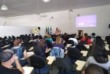 Curso aborda letramento e alfabetização na educação infantil