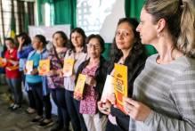 Município lança livro de receitas saudáveis em evento dedicado aos merendeiros