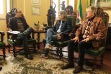 Reunião no Paço discute saídas para crise da Santa Casa