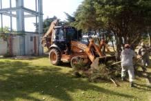 Serviços Urbanos recolhe entulhos e faz roçado nos bairros