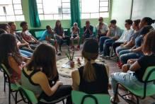 Emefs recebem círculos de construção da paz