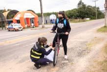 Blitz educativa alerta ciclistas sobre responsabilidade no trânsito