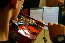 Orquestra Estudantil Municipal mantém ensaios no isolamento