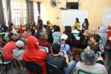 Jovens com Down contam experiências de vida para alunos da rede municipal