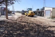Prefeitura trabalha na recuperação de vias e limpeza dos bairros