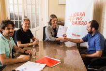 Prefeita assina contratos de mais cinco obras que vão melhorar a vida dos pelotenses