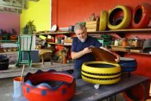 Prefeitura recupera e transforma mobiliário antigo das escolas municipais