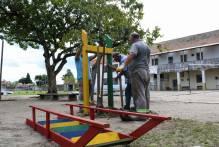 Prefeitura instala praça de brinquedos no Instituto de Menores Dom Antônio Zattera