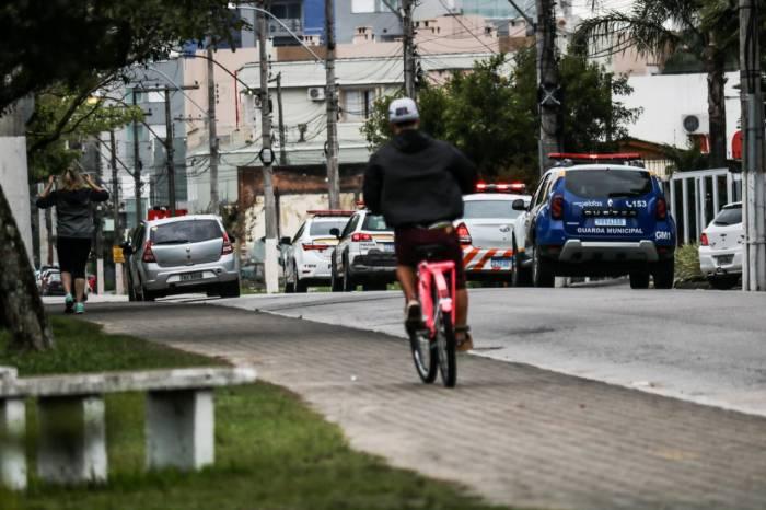 Forças de segurança orientam população sobre restrições