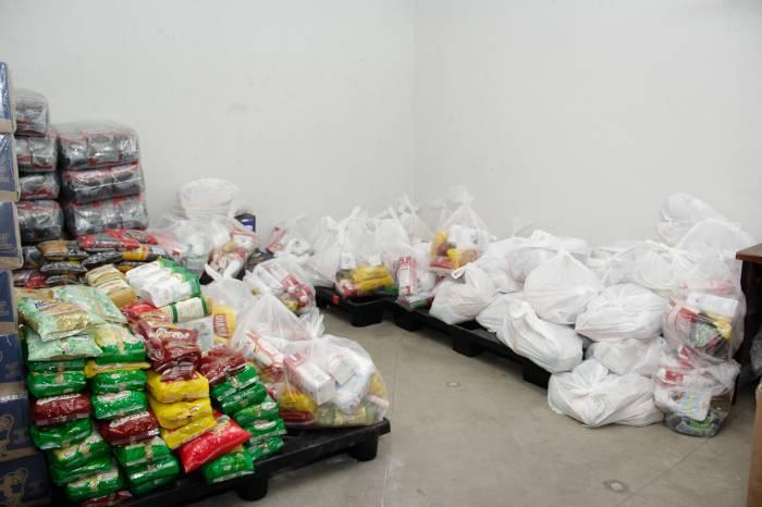 Prefeitura doa alimentos a moradores de 10 residenciais faixa 1 do Minha Casa, Minha Vida