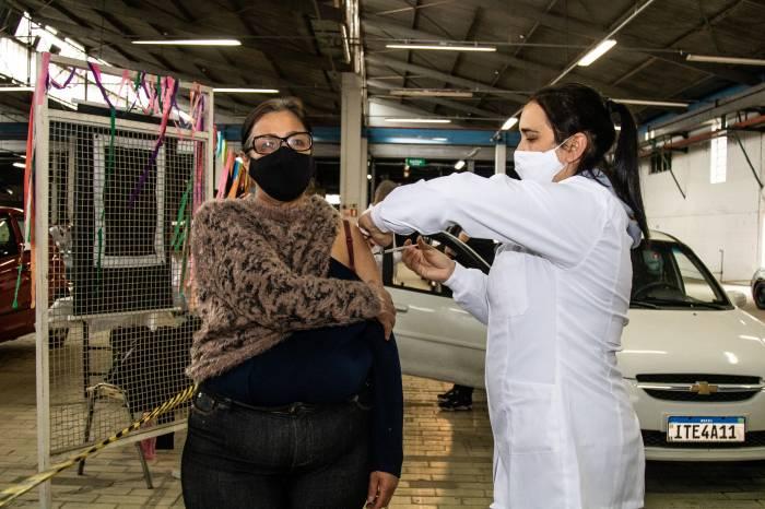 Mais de 3.6 mil pessoas são vacinadas neste fim de semana