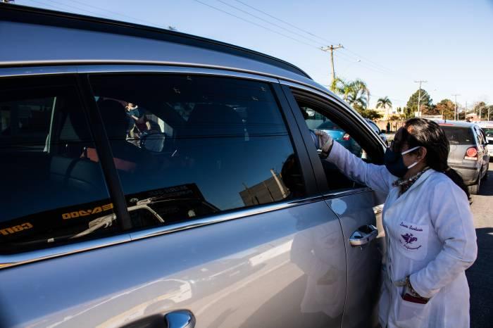 Quarta edição da Operação Saúde Para Todos aborda 614 veículos na ida ao Laranjal