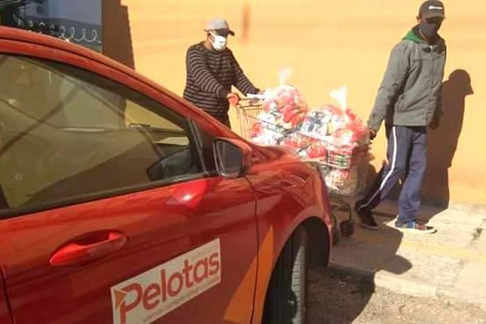 Mais 150 famílias recebem alimentos em três residenciais