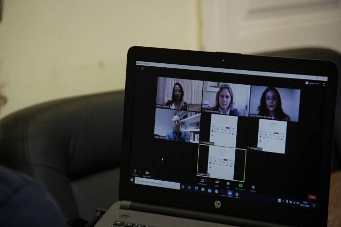 Prefeita avalia medidas em videoconferência sobre pandemia