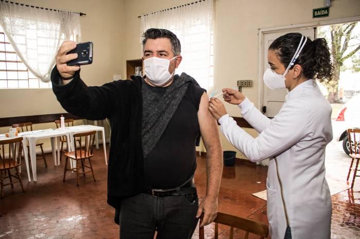 Mais de 1,5 mil moradores de Pelotas concluem a imunização