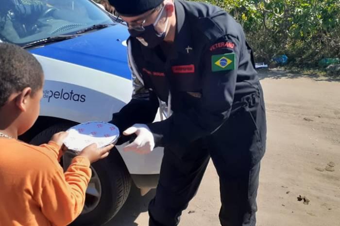 Guarda Municipal e Polícia do Exército promovem ação social