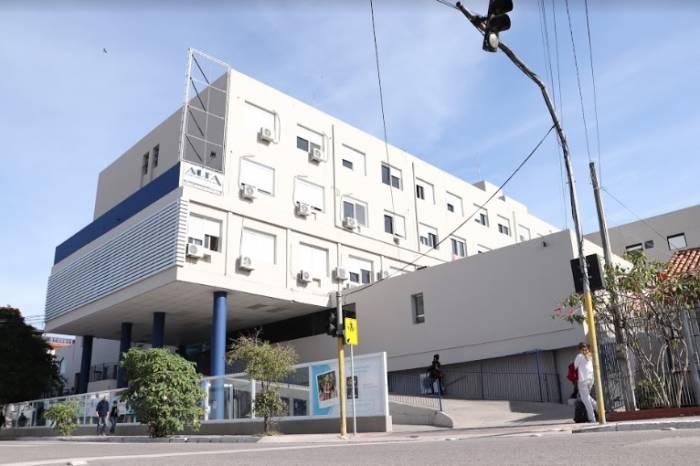 Prefeitura entrega cinco respiradores ao Hospital São Francisco
