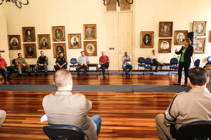 Prefeita reúne forças de segurança para alinhar ações durante a pandemia