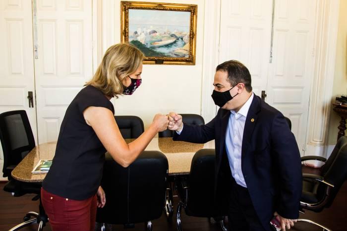 Prefeita recebe deputado estadual Elizandro Sabino