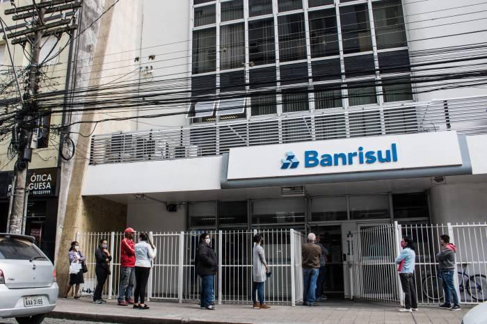 Servidores com empréstimos consignados no Banrisul poderão adiar pagamento