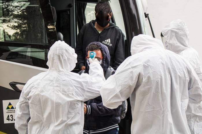 Vigilância em Saúde acompanha desembarque de trabalhadores do Piauí