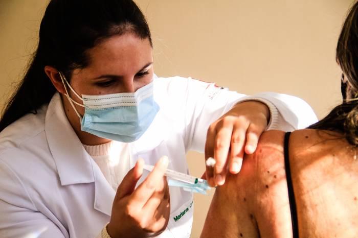 Pelotas vacina 2,7 mil pessoas nesta sexta-feira