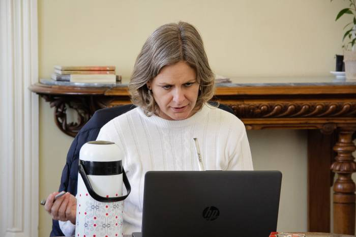 Prefeita e governador debatem controle do vírus em reunião online