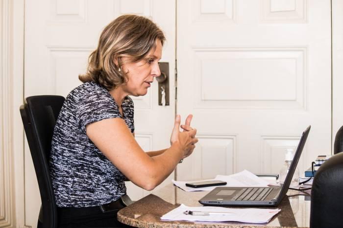 Paula participa de videoconferência com prefeitos sobre a situação do coronavírus na Zona Sul
