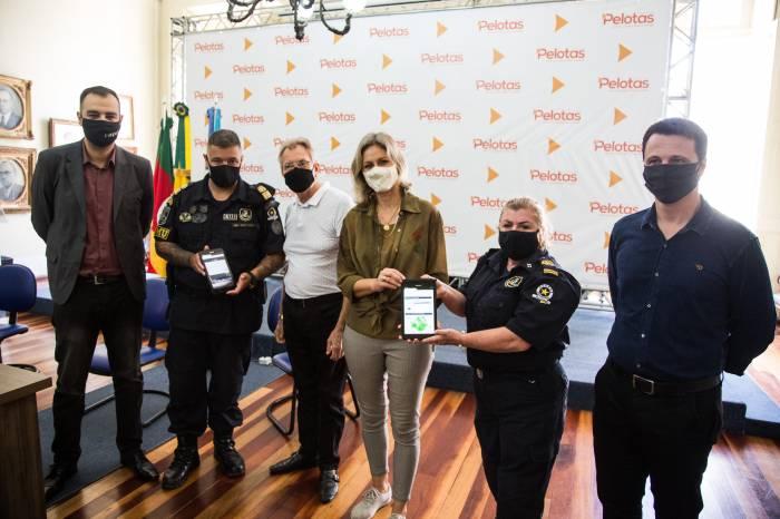 Guarda Municipal recebe dez tablets para auxiliar em operações