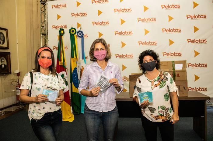 Projeto Máscaras Cuidativas doa mil unidades para a Prefeitura