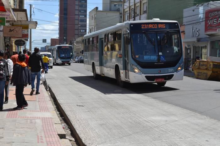 Volta do comércio gera pequeno aumento dos usuários de ônibus