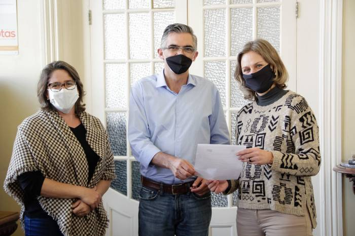 Prefeita recebe verba de emenda parlamentar para enfrentar coronavírus