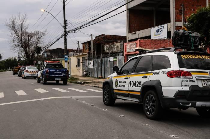 Forças policiais orientam população sobre medidas preventivas ao coronavírus