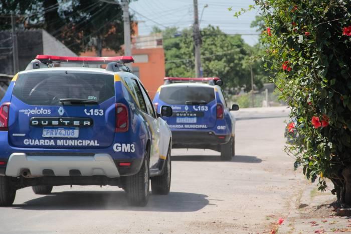 Forças de segurança alertam sobre proibição de permanência em locais públicos