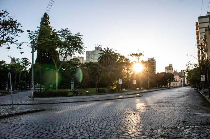 Pelotas: um ano de enfrentamento à pandemia