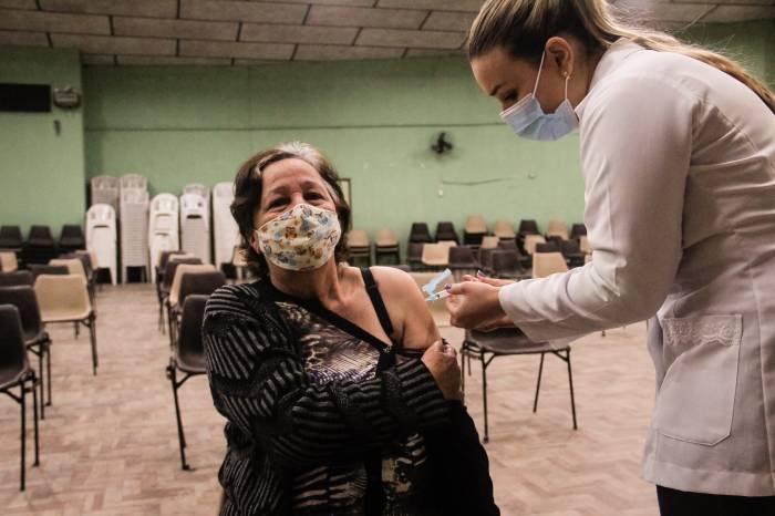 Pelotas tem mais 1.448 vacinados contra Covid-19 nesta segunda-feira