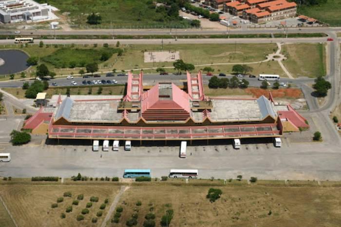Tapetes sanitizantes são colocados na Rodoviária