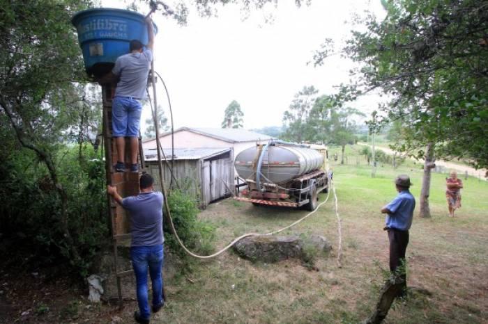 Agricultor sem água potável pode solicitar abastecimento em casa