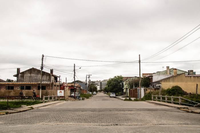 Fiscalização interrompe festas clandestinas nos bairros